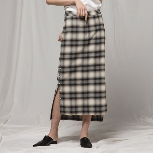 ┃JO5┃ BUTTON LONG SKIRTcheck