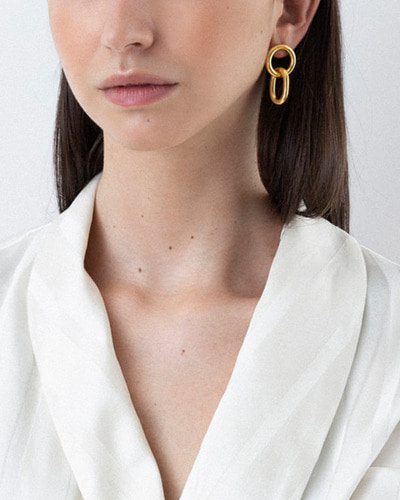 gilda earrings gold